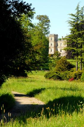Château et forêt de Ferrières © dominique szatrowski - Fotolia.com
