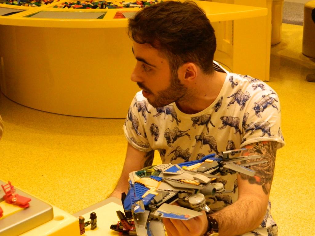Marcos Bessa, Designer Lego