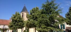 Place de l'église à Chessy
